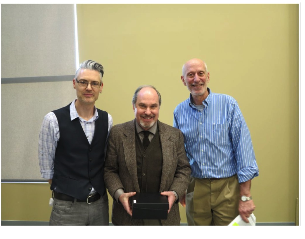 Thomas receives Long Service Award from Augustana Faculty U of A